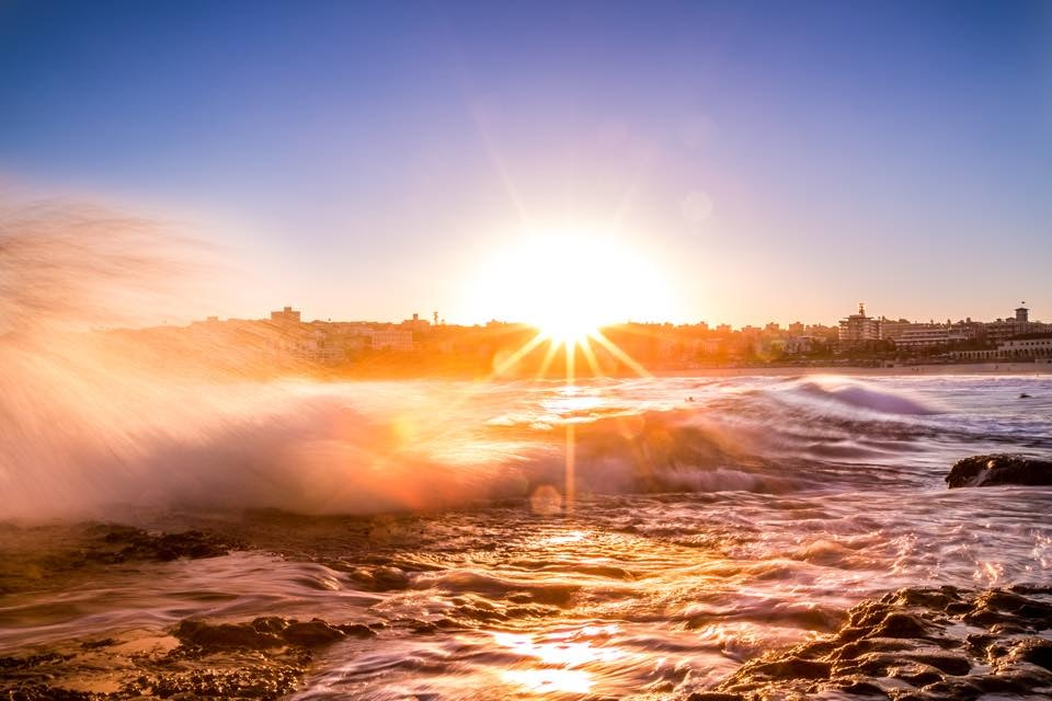 A picture of waves crashing at Manly near Surry Hills Sydney